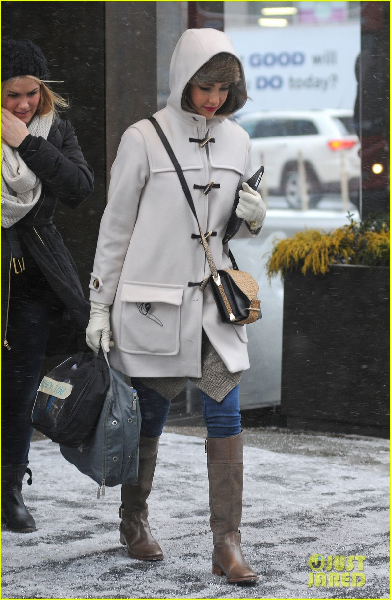 jessica alba snowy new york exit 03