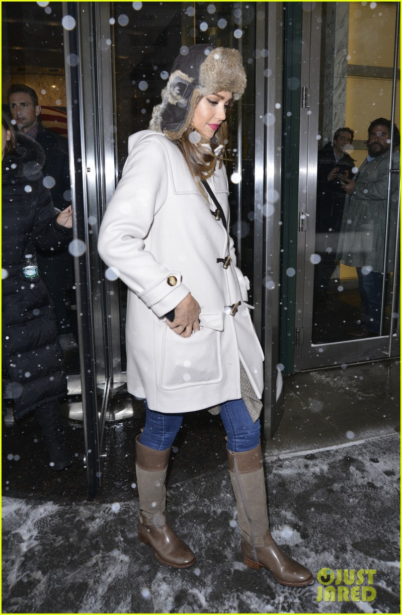 jessica alba snowy new york exit 113037646