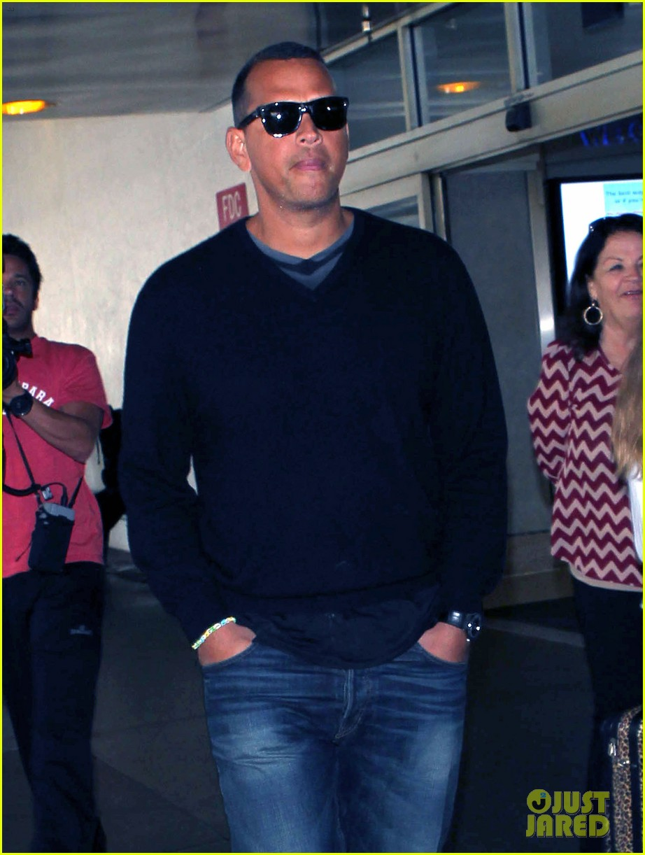 alex rodriguez back in la after attending jay z concert 09