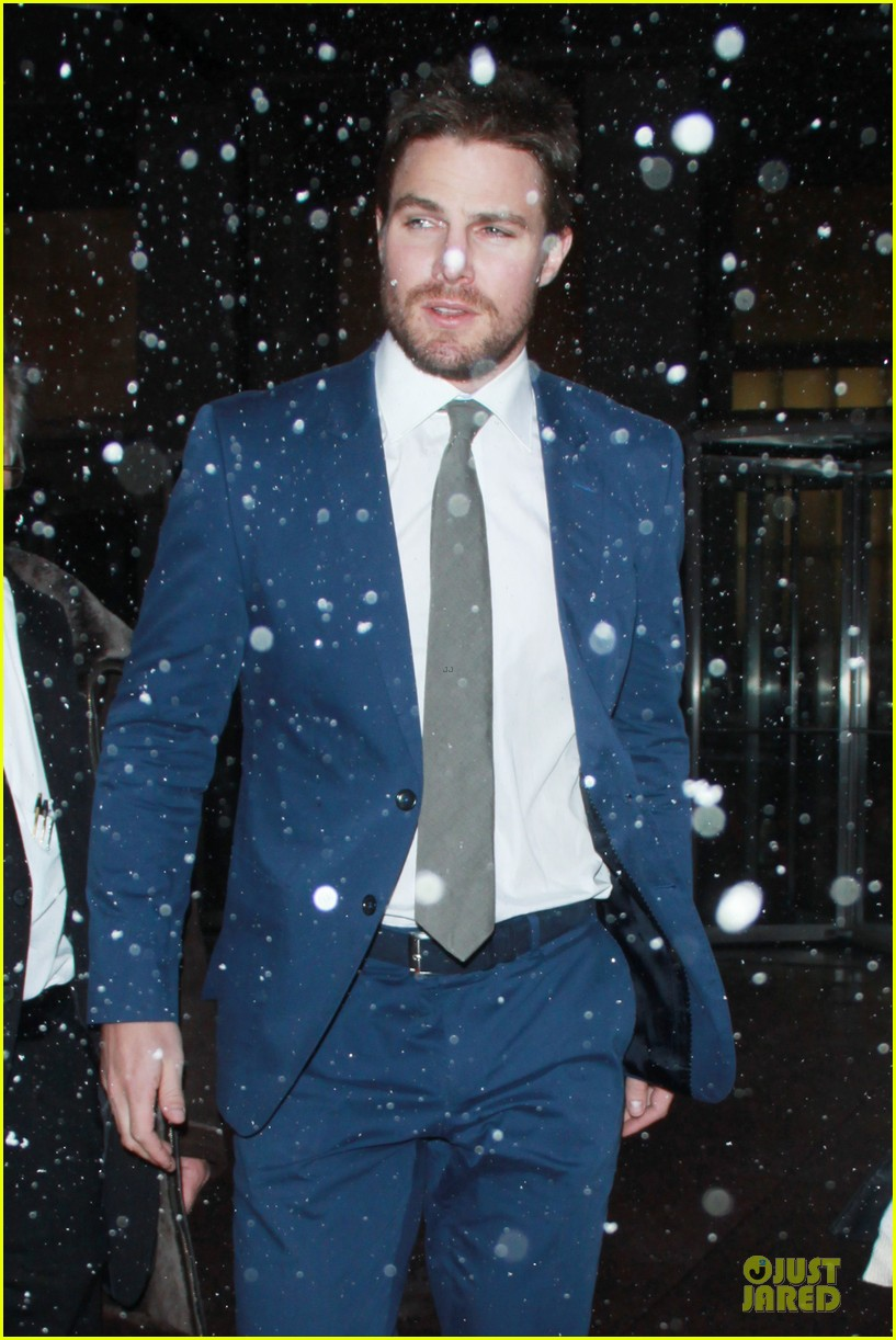 stephen amell arrow promo at siriusxm studios 073037518