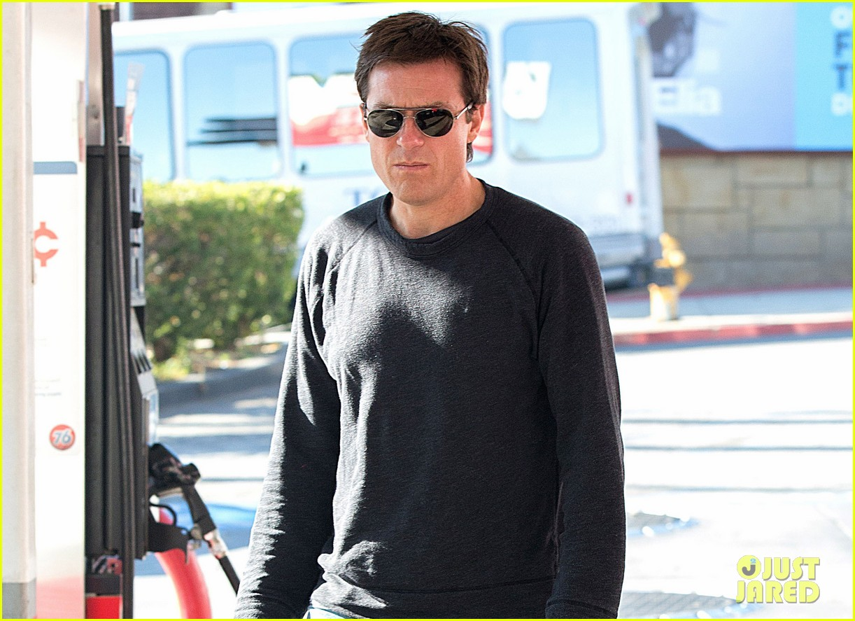 jason bateman bad words get release date 023022016