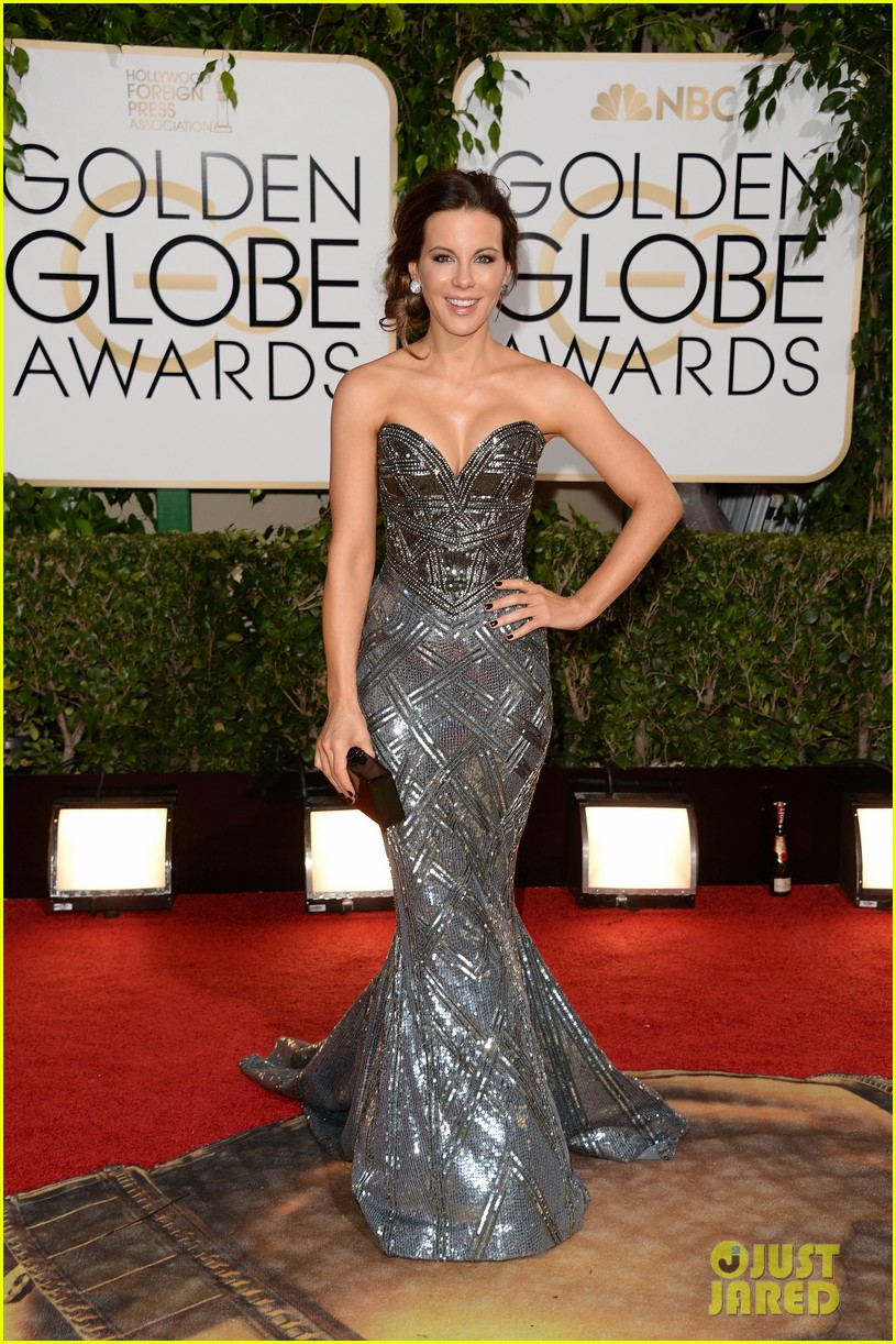 kate beckinsale golden globes 2014 red carpet 01