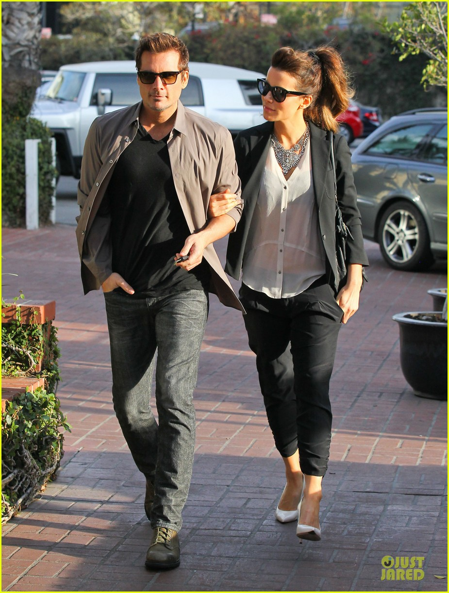 kate beckinsale len wiseman hook arms at fred segal 063043056