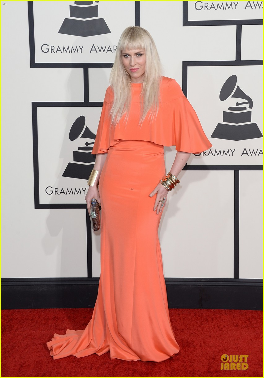 natasha bedingfield grammys 2014 red carpet 01