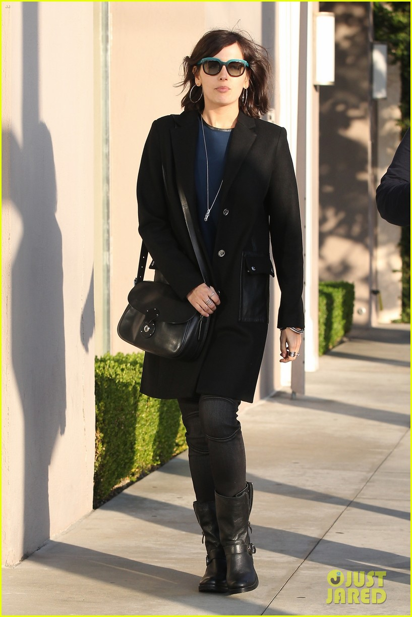 camilla belle alfred cafe lunch outing 14