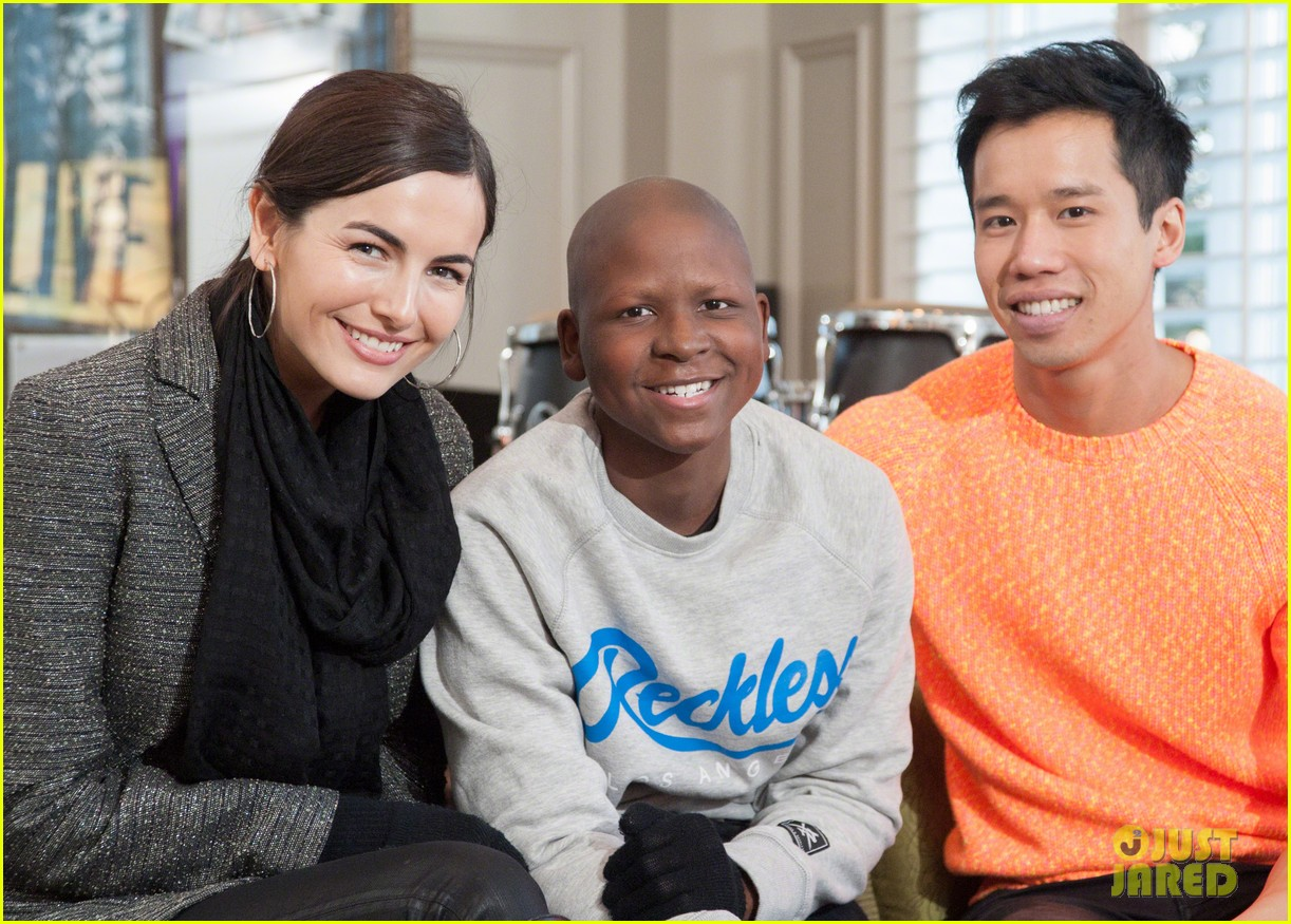 camilla belle visits children at st judes childrens research hospital 02