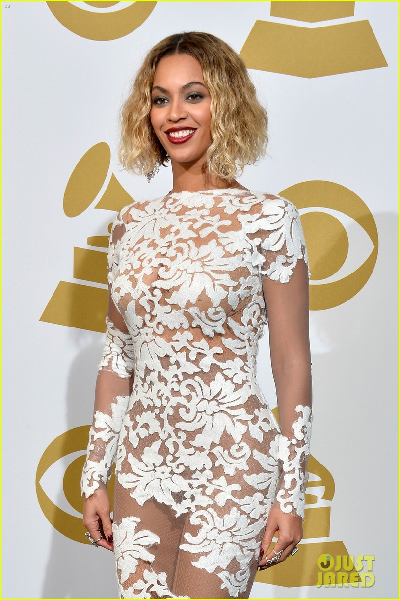beyonce wears sexy sheer white dress at grammys 2014 16