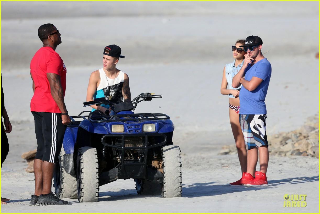 justin bieber atv beach fun with chantel jefferies watching 033042280