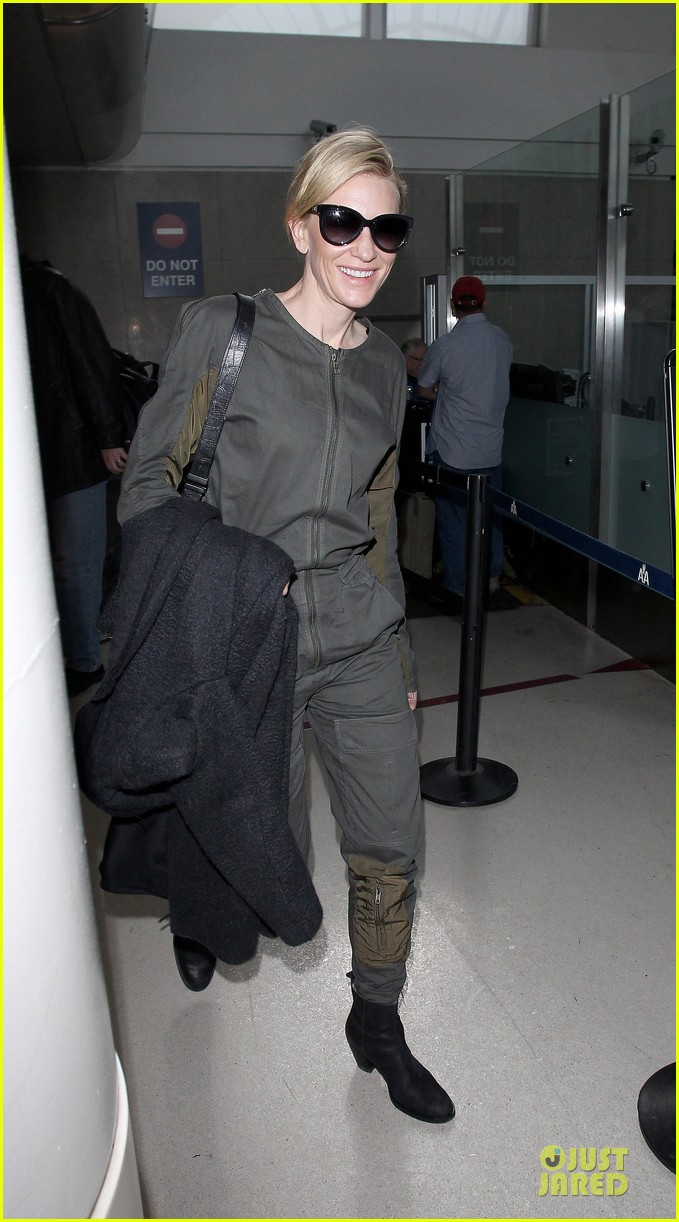 cate blanchett lax arrival after nyfcc awards ceremony 12
