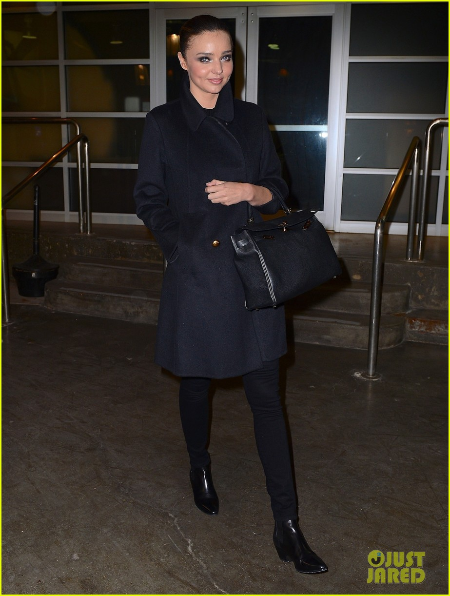 orlando bloom miranda kerr step out separately after his new reportedly false romance rumors 02
