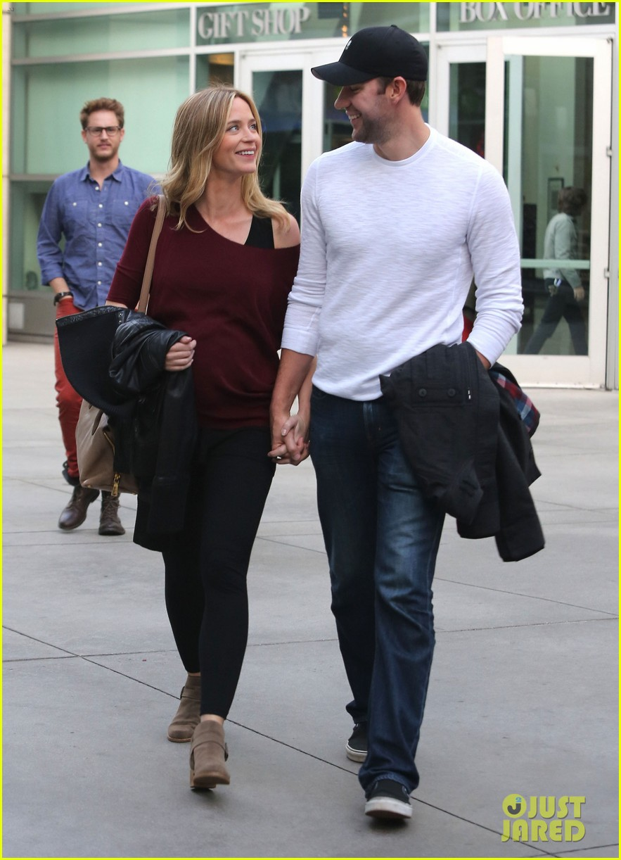 emily blunt john krasinski catch up on their movies 013022698