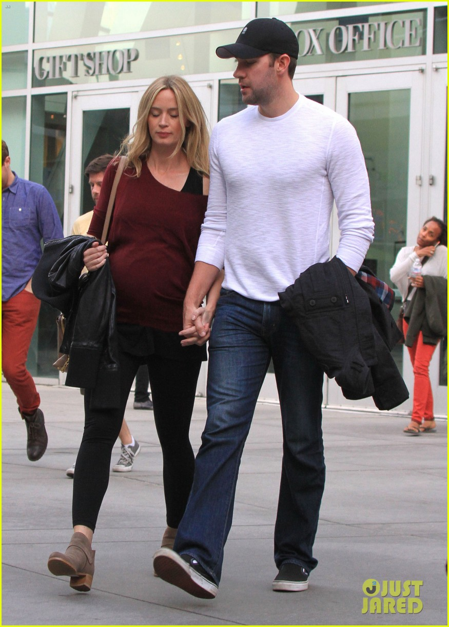 emily blunt john krasinski catch up on their movies 08