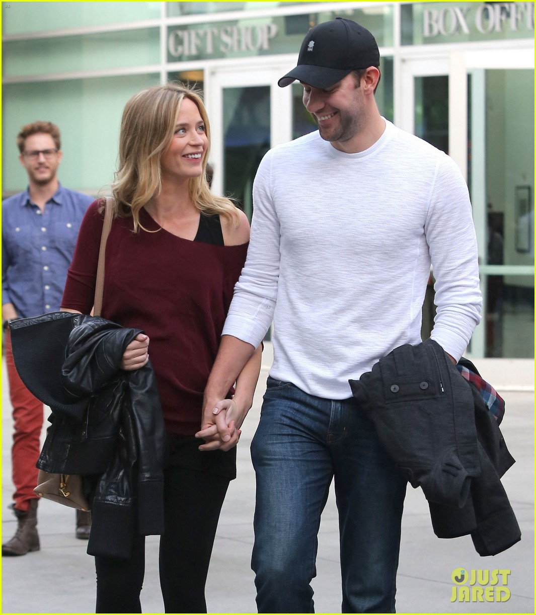emily blunt john krasinski catch up on their movies 213022718