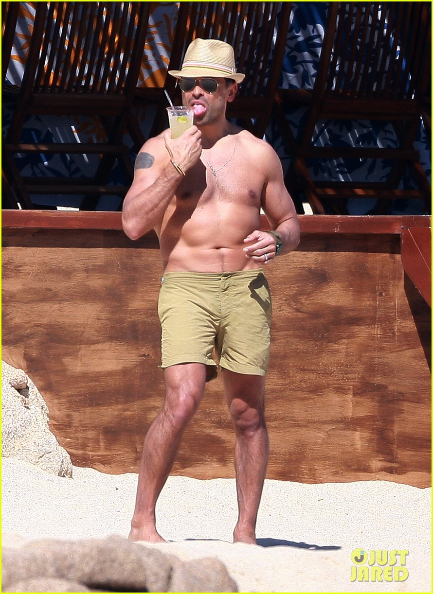 matt bomer shirtless sexy cabo vacation with simon halls 12