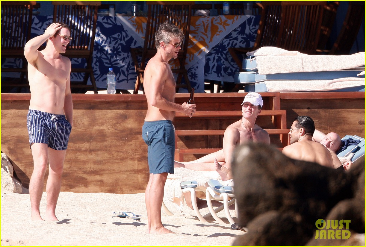 matt bomer shirtless sexy cabo vacation with simon halls 32