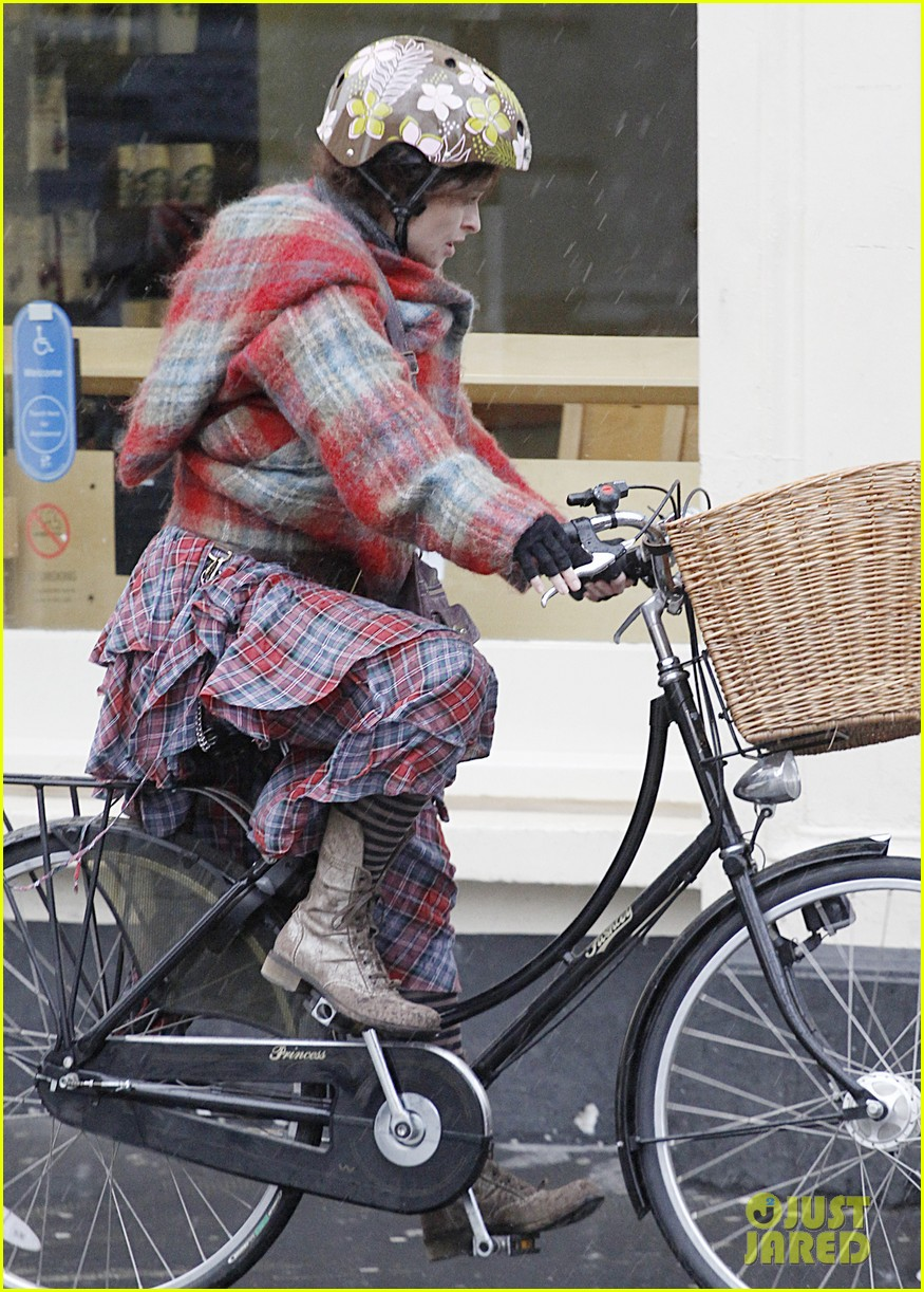 helena bonham carter bikes in the rain with son billy 01