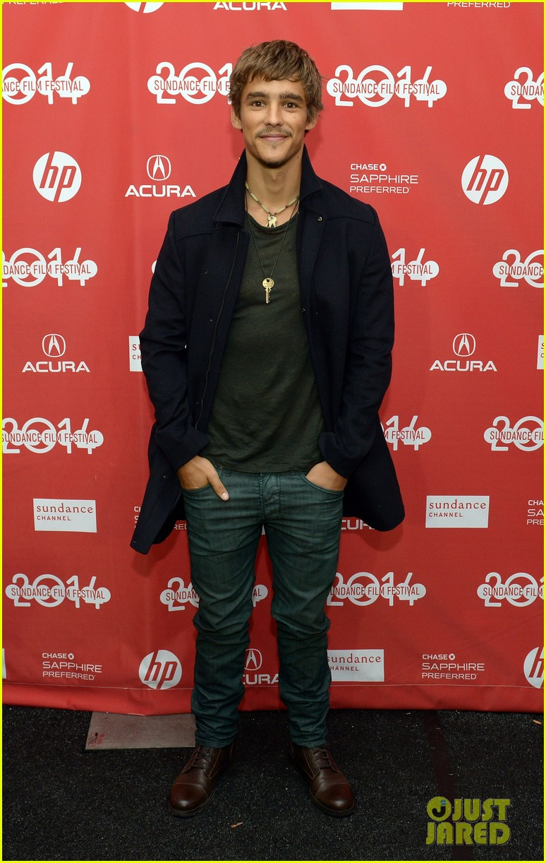 brenton thwaites the signal at sundance 08