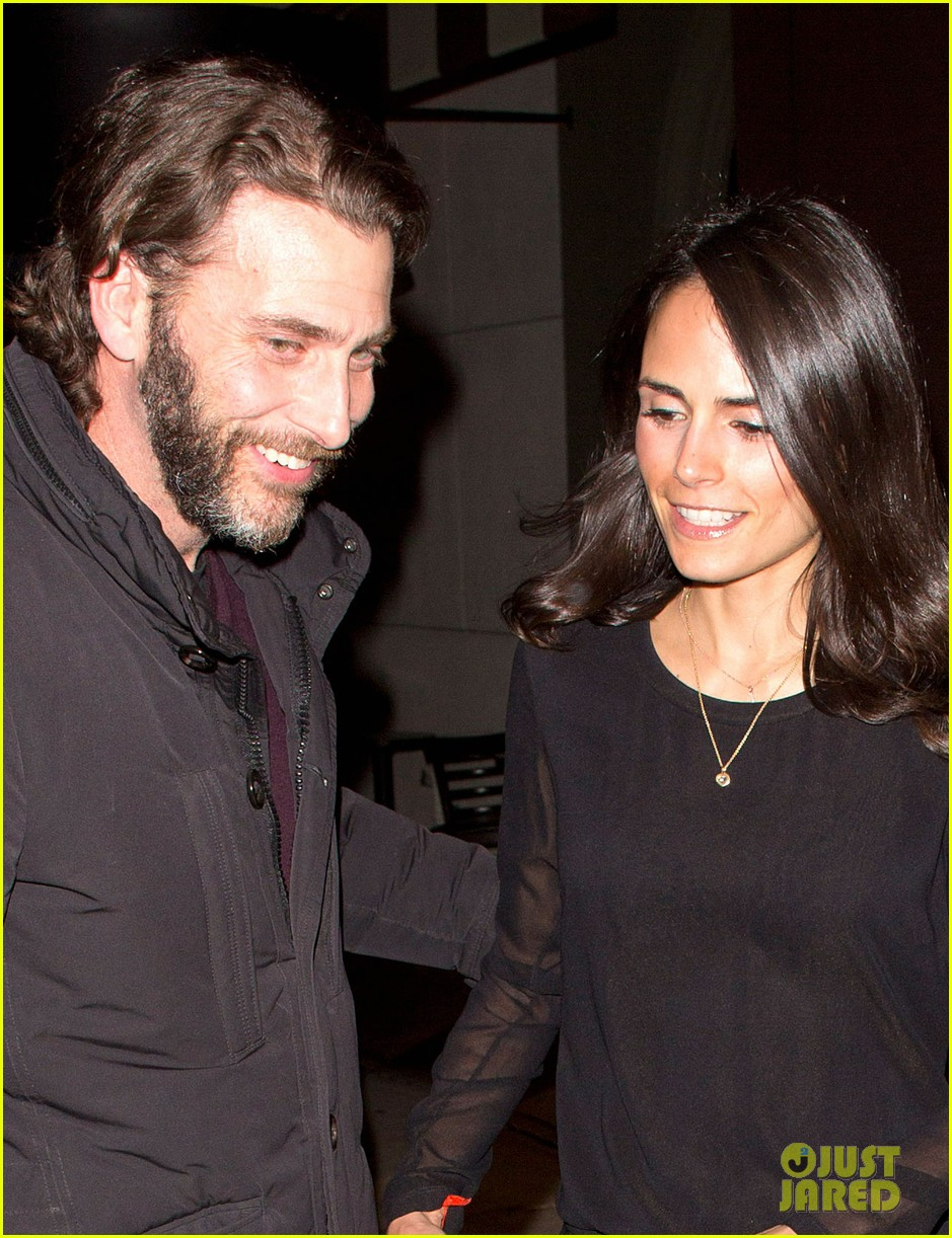 jordana brewster new years eve dinner with andrew form 02
