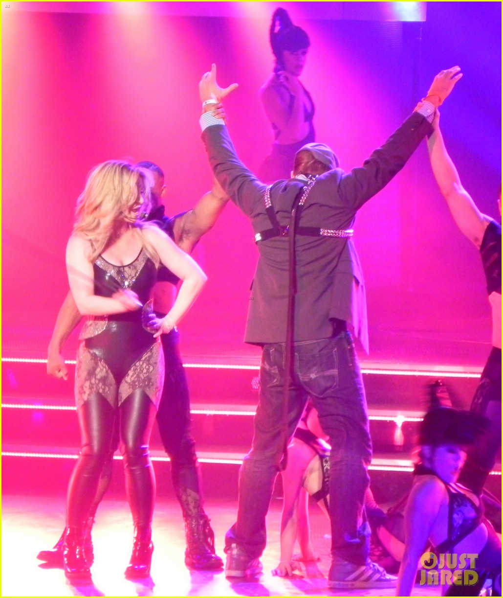 britney spears ties up boyfriend david lucado during new years eve concert 123020968
