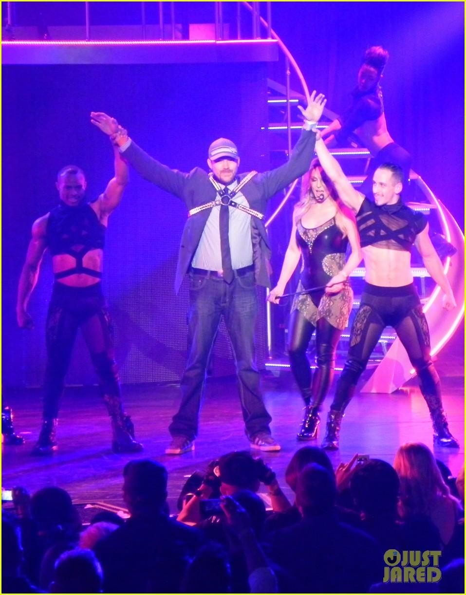 britney spears ties up boyfriend david lucado during new years eve concert 28