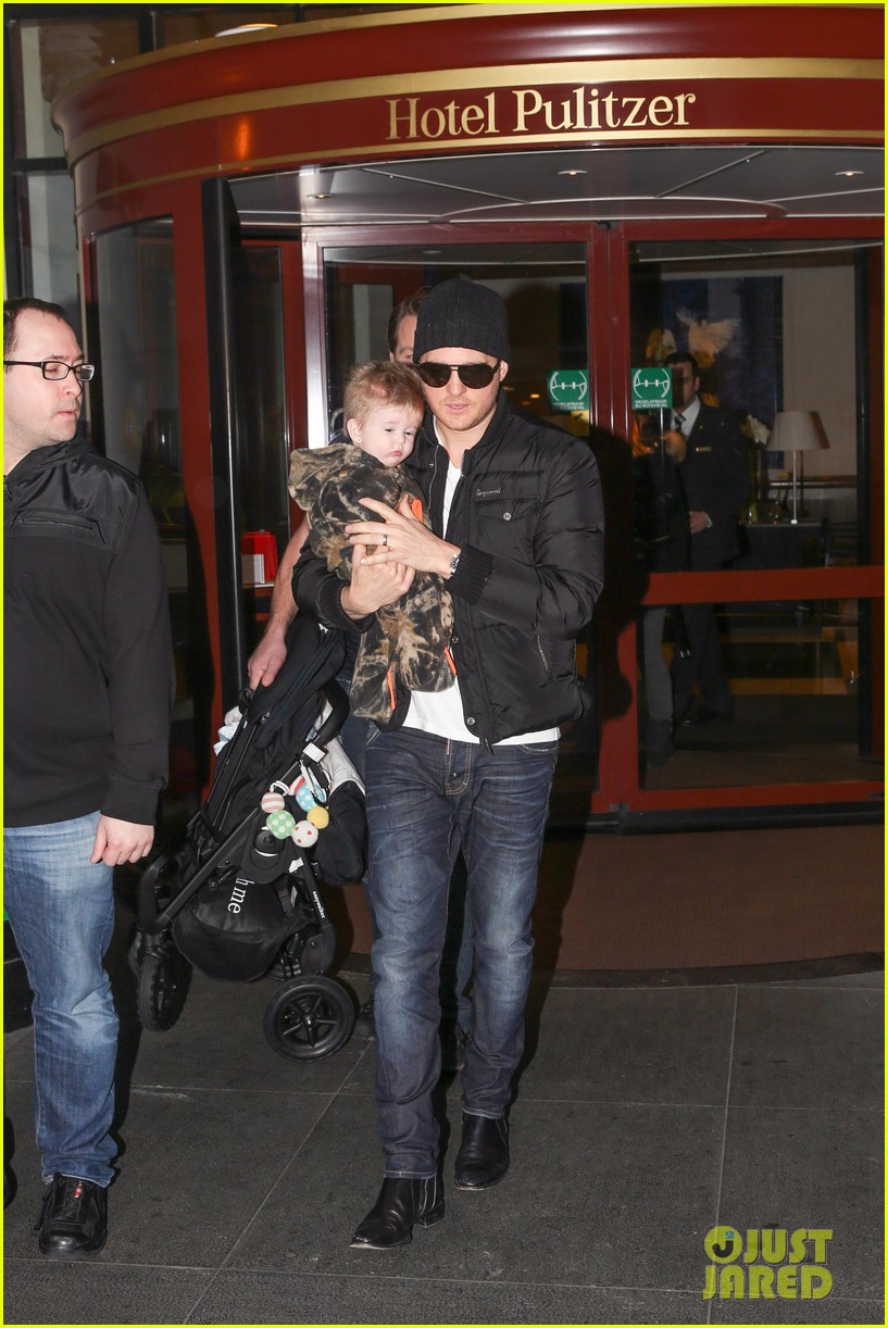 michael buble luisana lopilato amsterdam vacation with baby noah 043036913