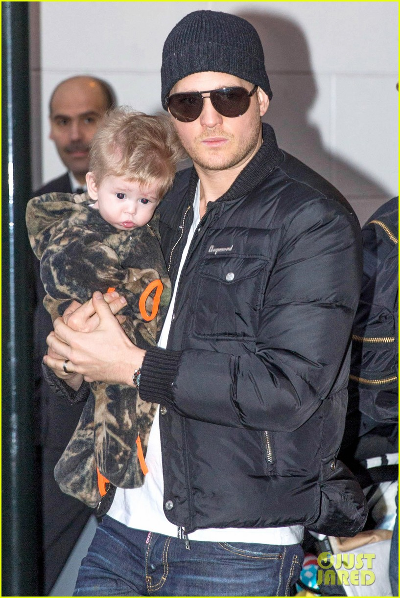 michael buble luisana lopilato amsterdam vacation with baby noah 073036916