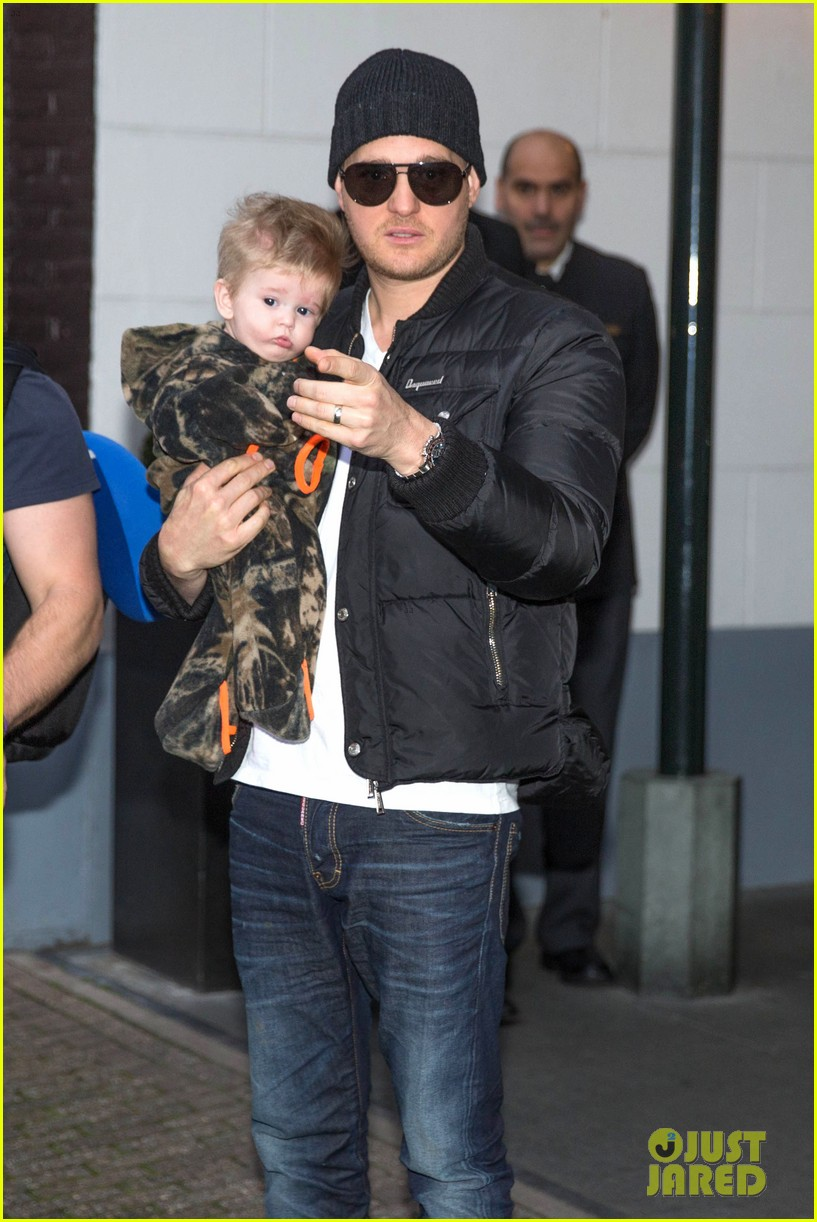 michael buble luisana lopilato amsterdam vacation with baby noah 11