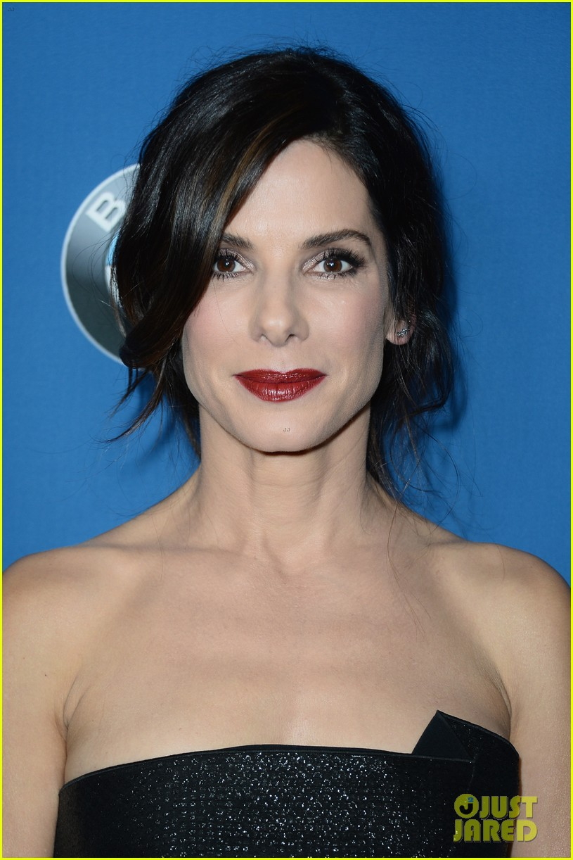 sandra bullock supports alfonso cuaron at dga awards 2014 08