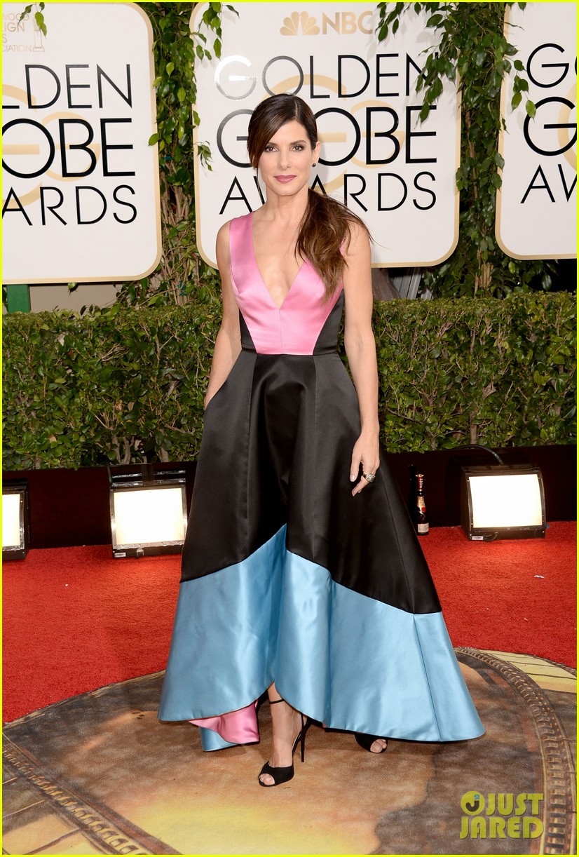 sandra bullock golden globes 2014 red carpet 03