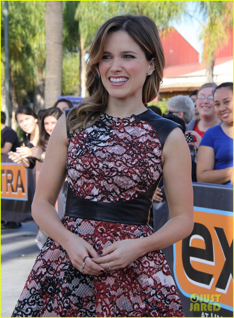 sophia bush raves about working with mariska hargitay 183036907