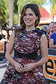 sophia bush raves about working with mariska hargitay 18