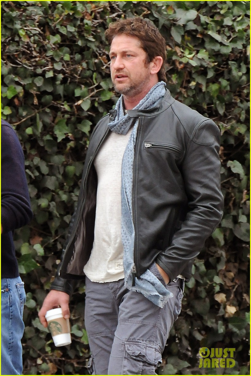 gerard butler steps out as gods of egypt casts more actors 02
