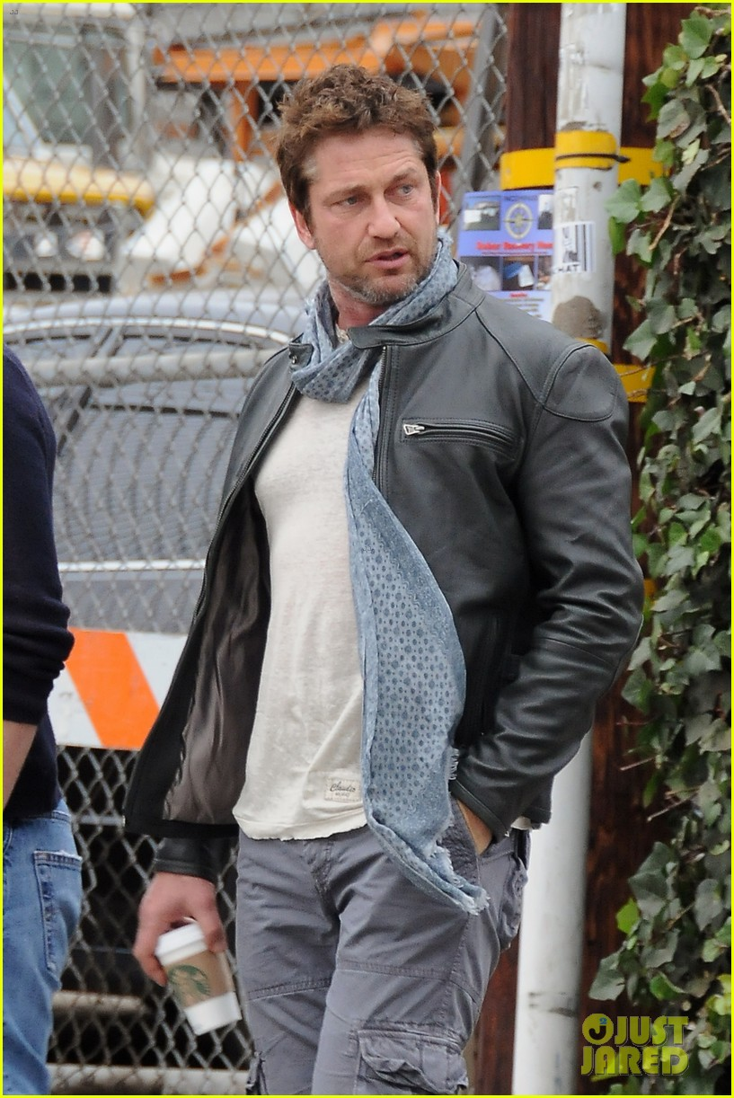 gerard butler steps out as gods of egypt casts more actors 13