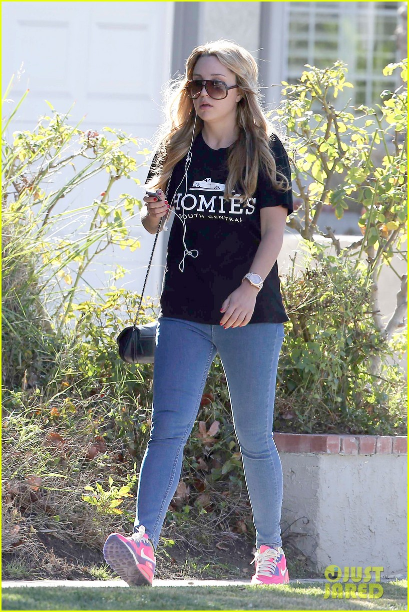 amanda bynes steps out in the new year 143021562