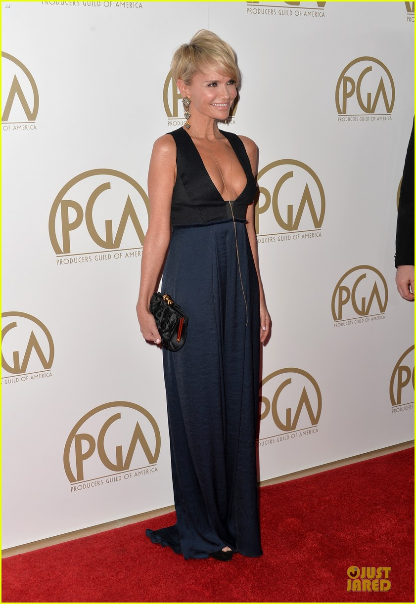 kristin chenoweth producers guild awards 2014 red carpet 033035898