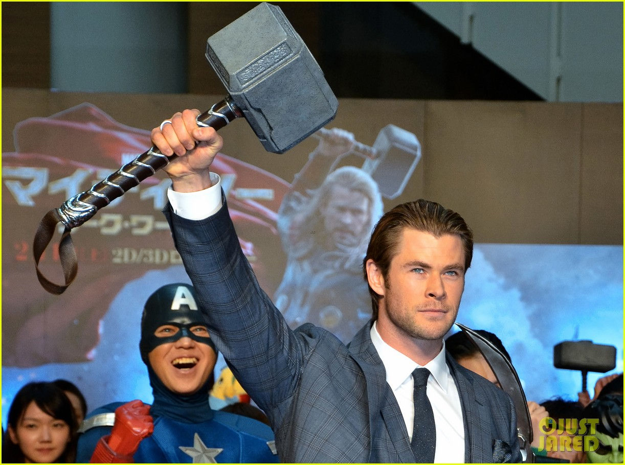 chris hemsworth thor the dark world tokyo premiere 05
