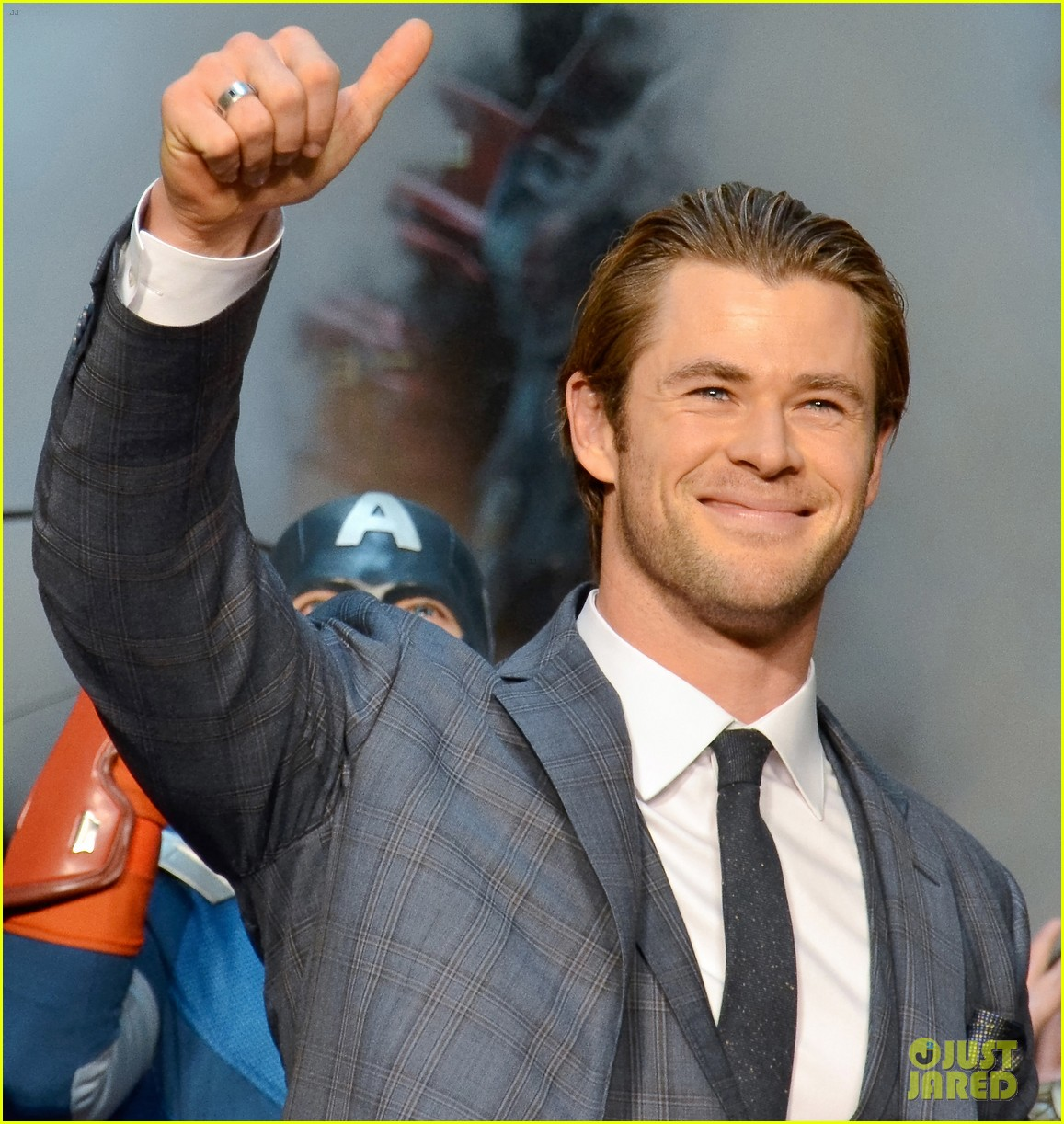 chris hemsworth thor the dark world tokyo premiere 063040571