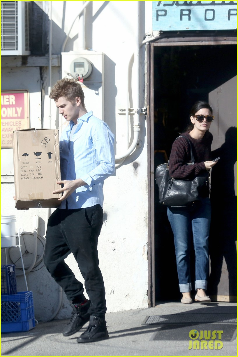 hayden christensen rachel bilson still decorating new house 063043727