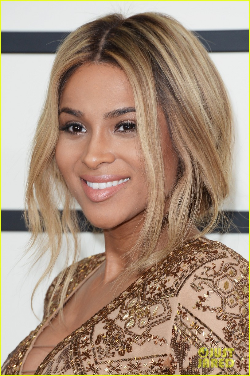 pregnant ciara grammys 2014 red carpet 023041178