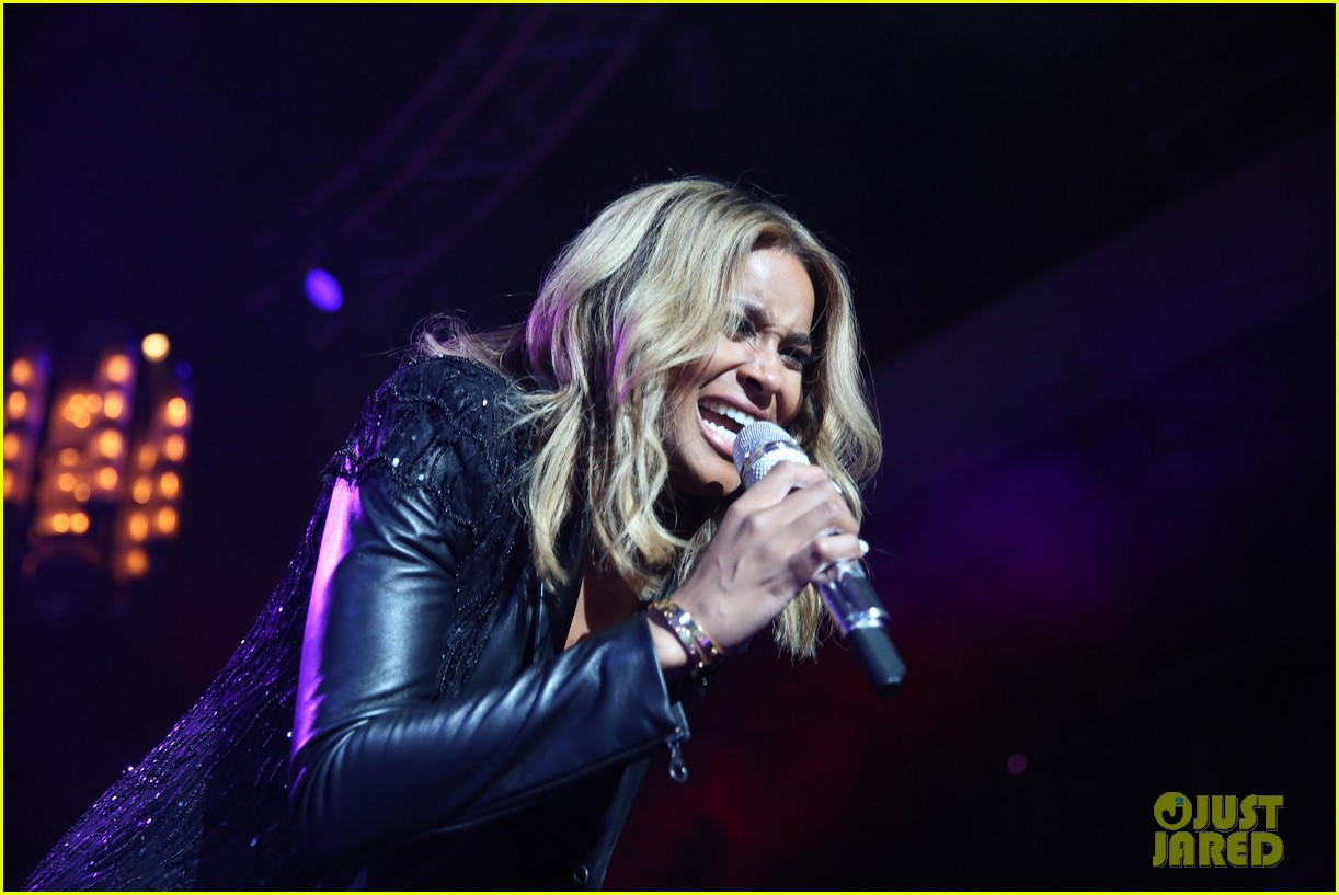 pregnant ciara performs at official grammys 2014 after party 04