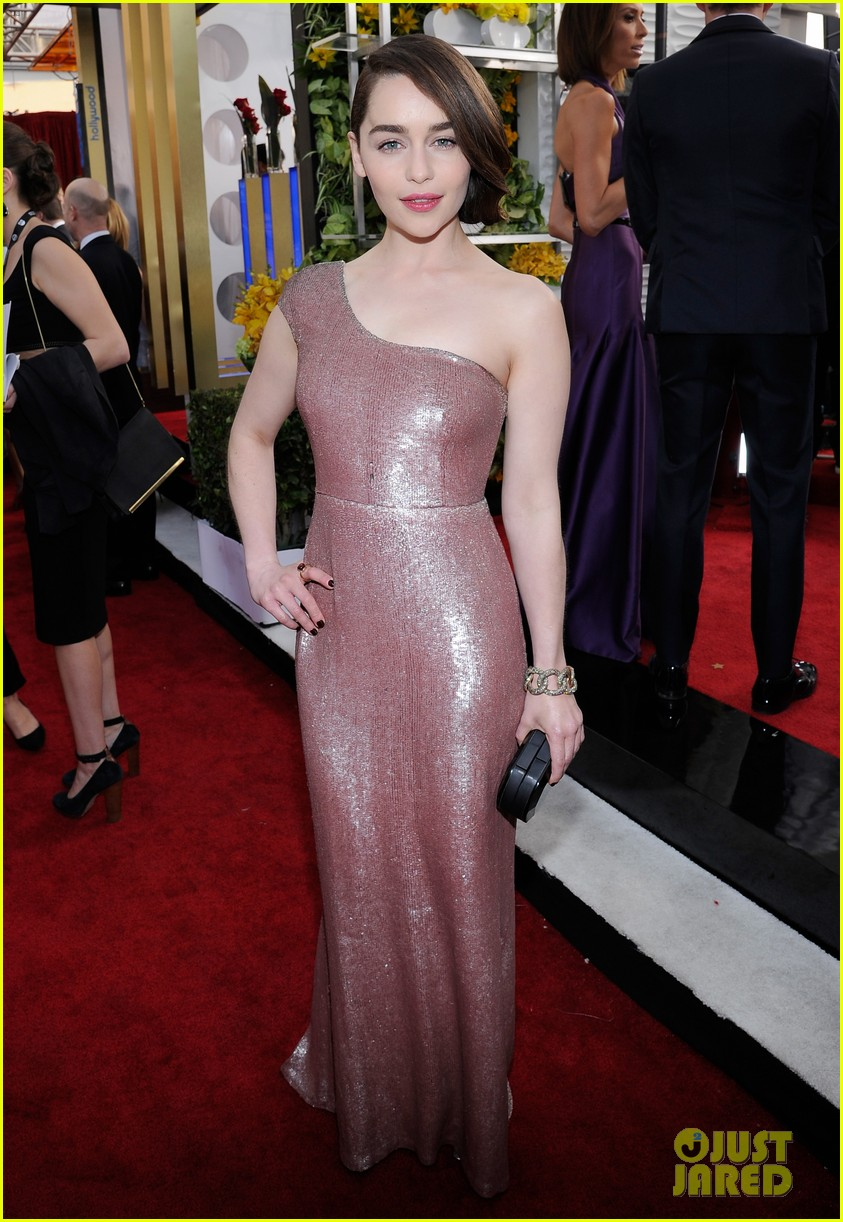 emilia clarke sag awards 2014 red carpet 03
