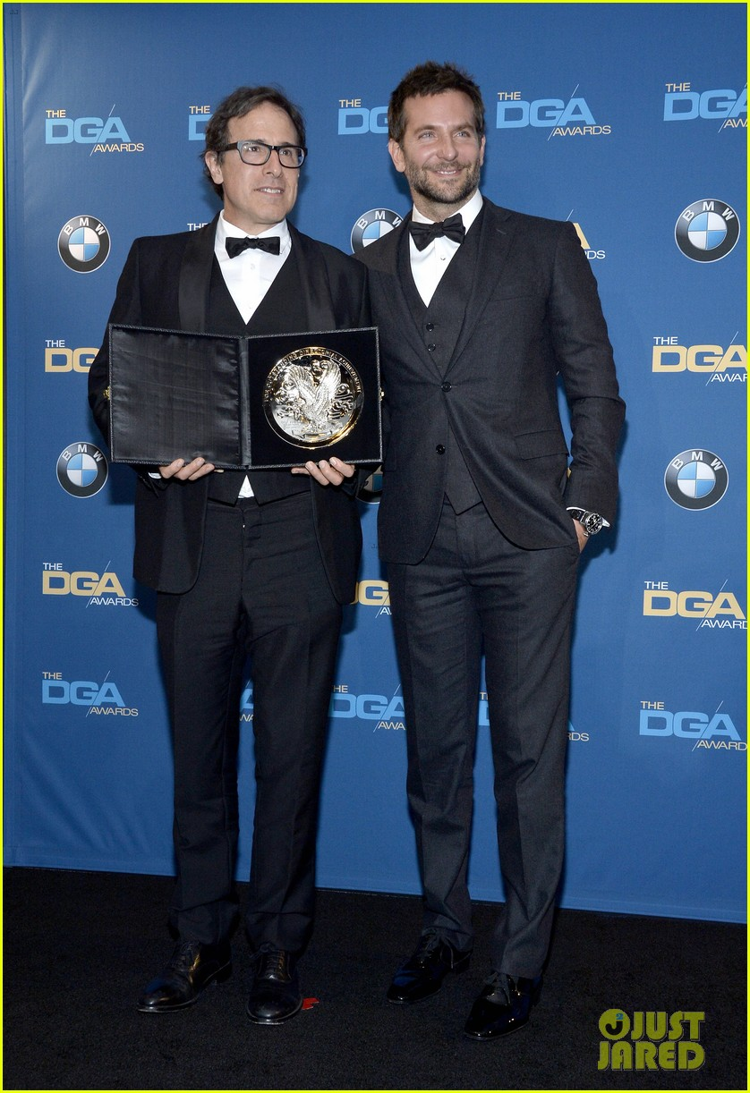 bradley cooper honors david o russell at dga awards 2014 09