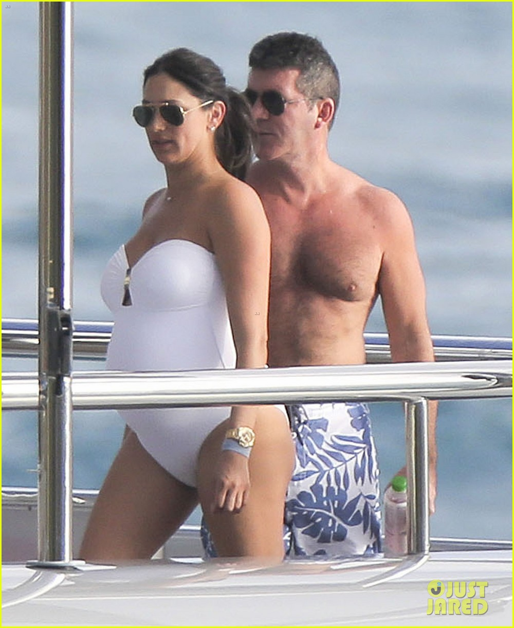 simon cowell very pregnant girlfriend relax on a yacht 06