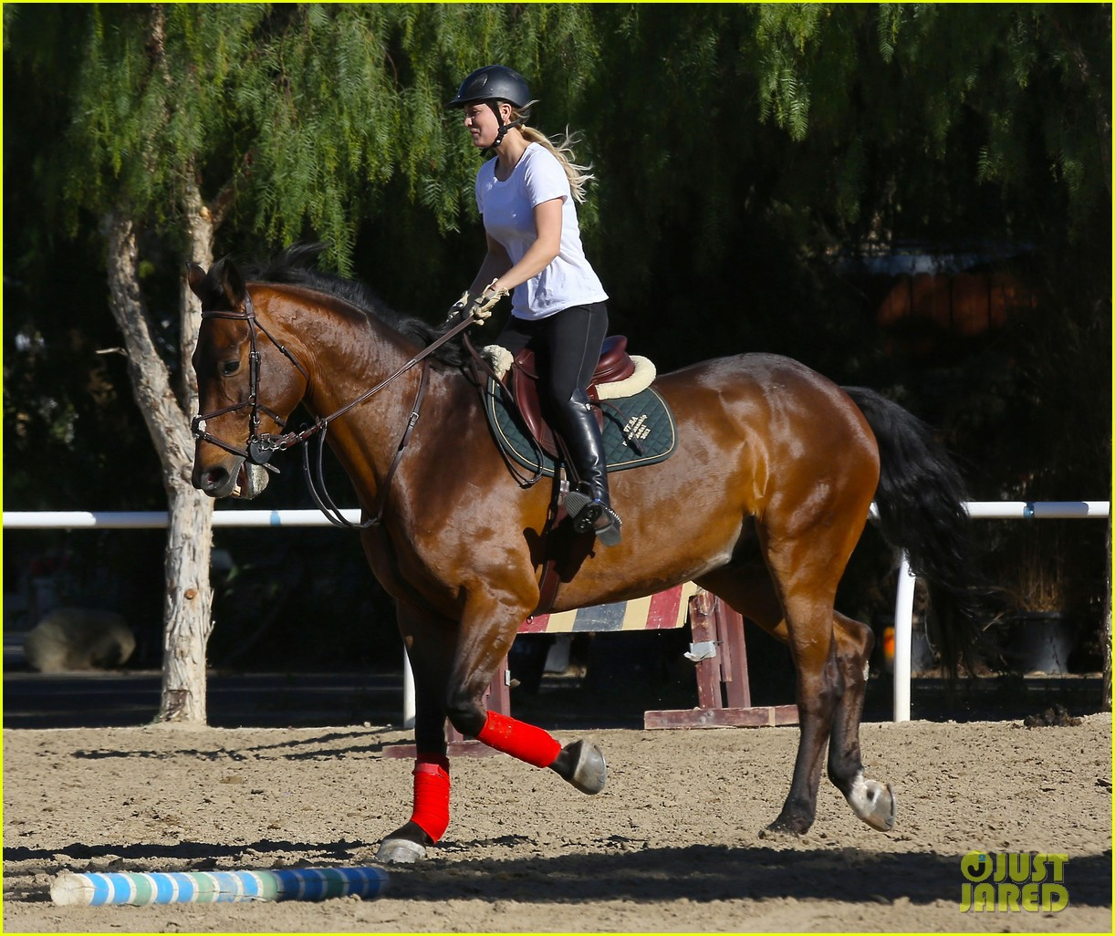 kaley cuoco goes horseback riding after her wedding 203021763