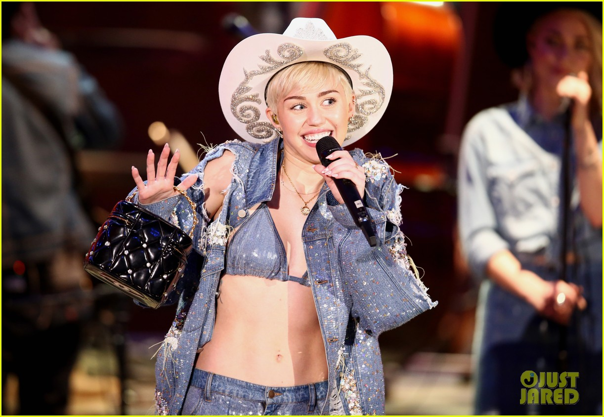 watch every miley cyrus mtv unplugged performance here 13