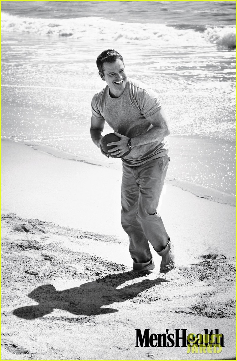 matt damon covers mens health january february 2014 03