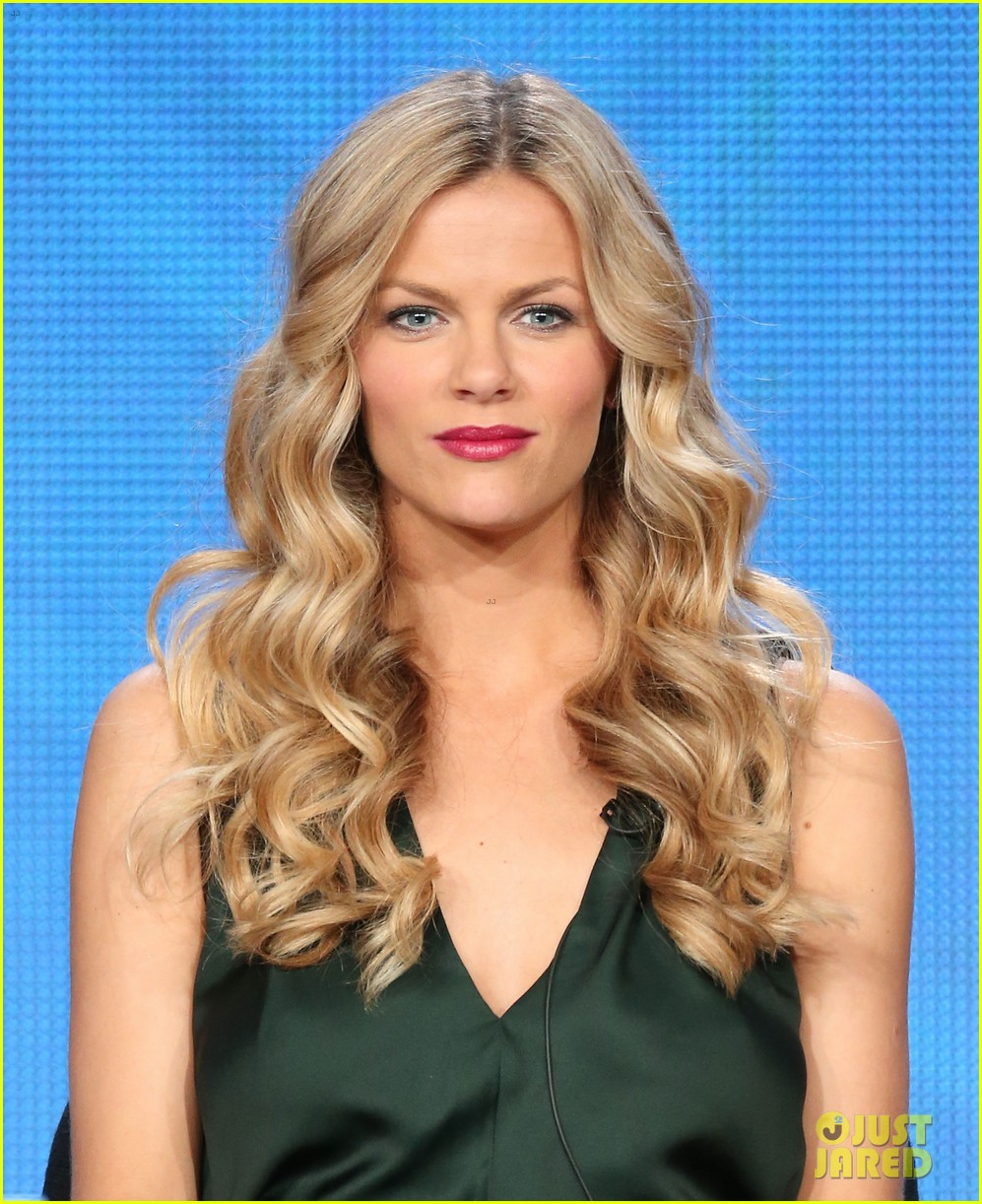 brooklyn decker james van der beek cbs tca panel 2014 183032177