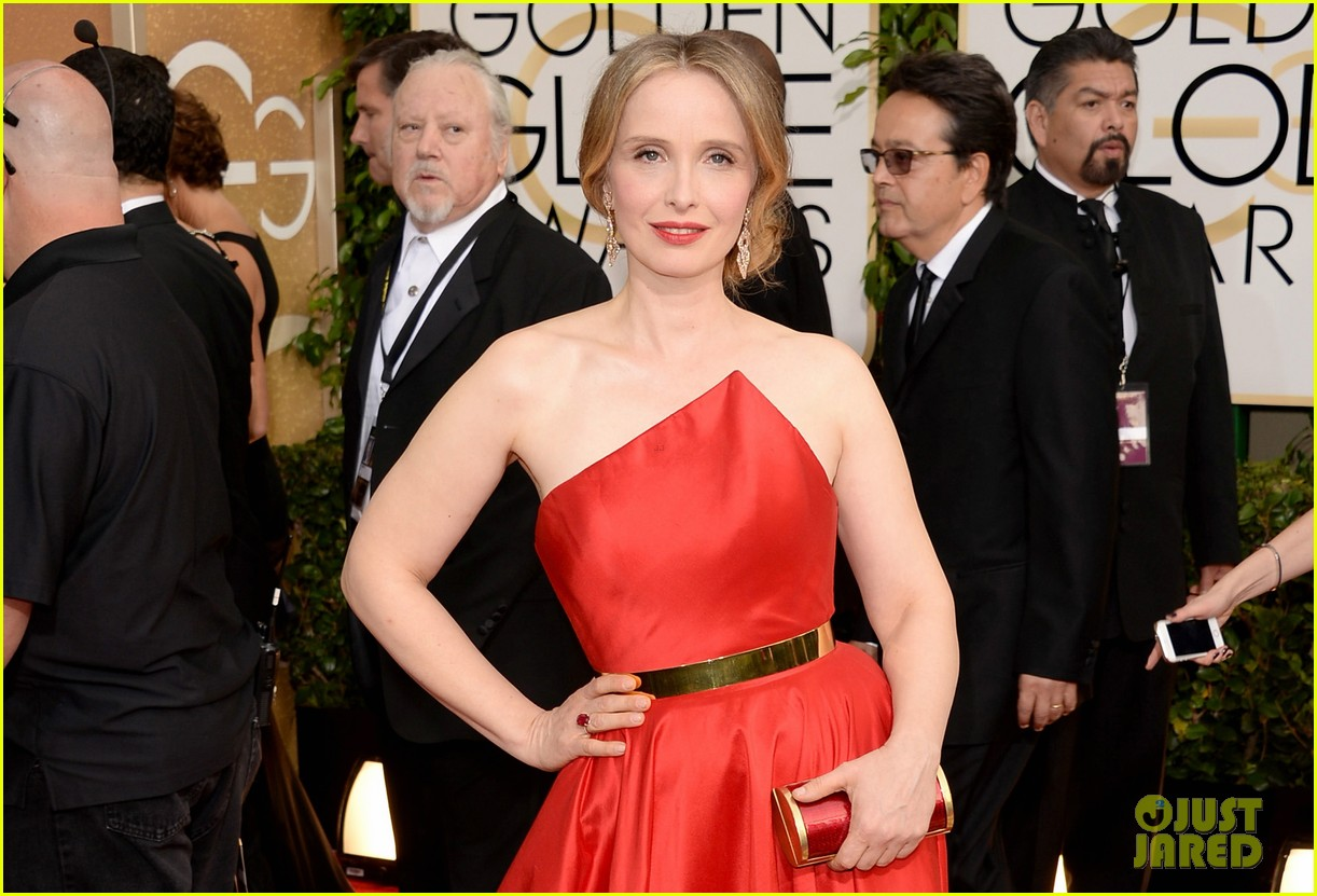 julie delpy golden globes 2014 red carpet 02