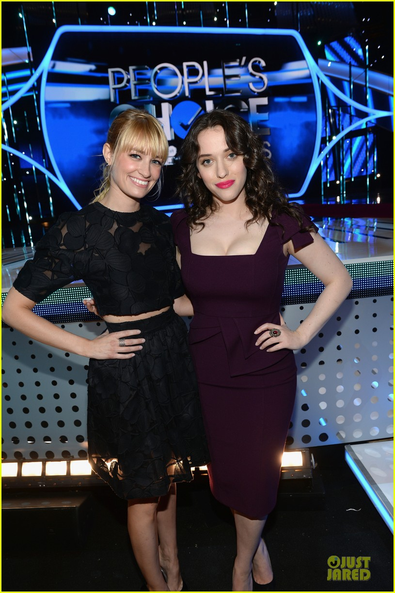 kat dennings beth behrs people choice awards press day 06