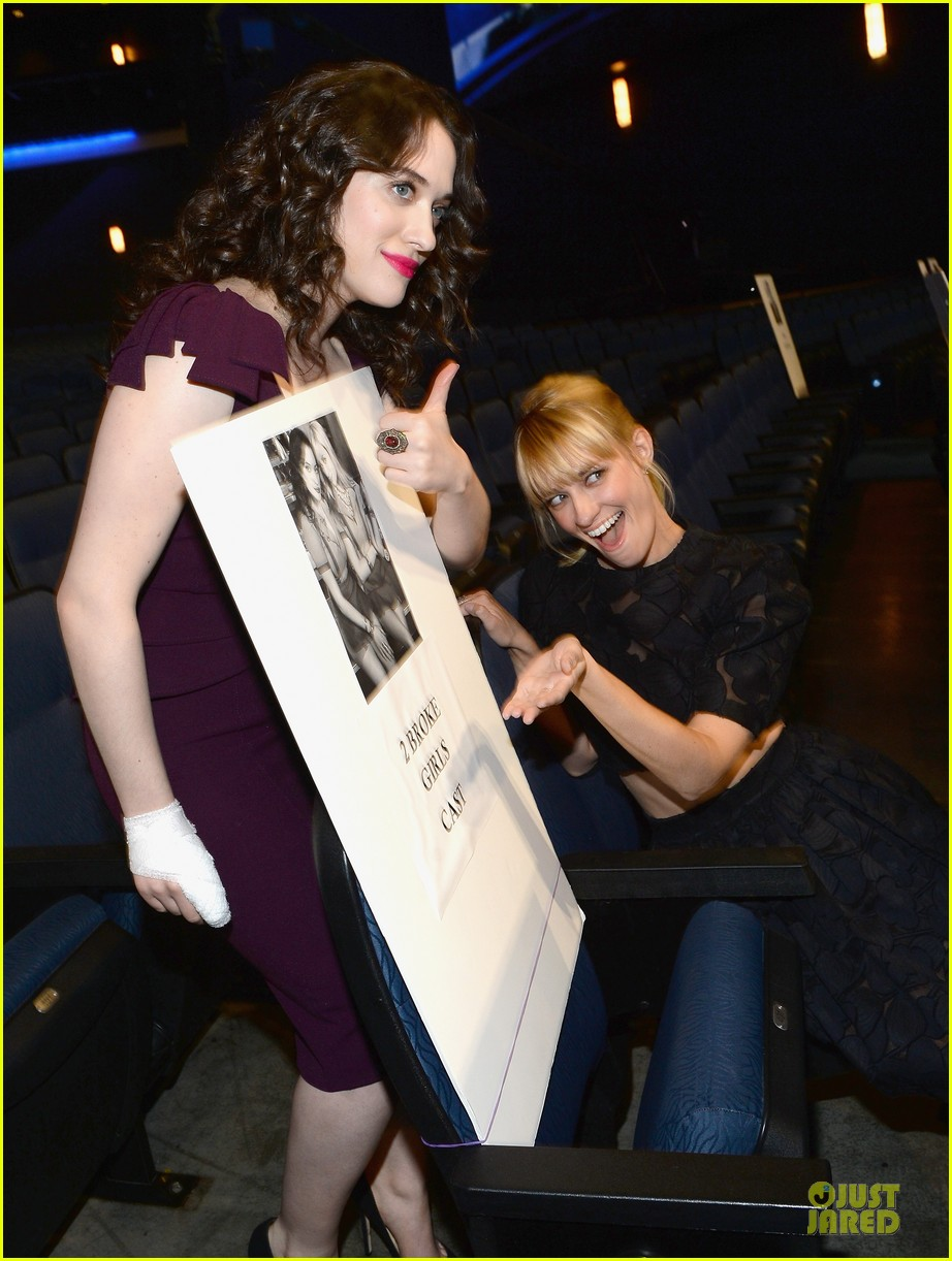 kat dennings beth behrs people choice awards press day 093024142